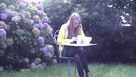 Alix se rappelle, photographie extraite 26 août 2010 réalisée dans le jardin de Brestoût 2010 réalisée dans le jardin de Brest