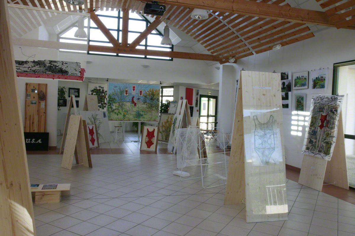[The Dream or The Girl With The Computer], view of the exhibition in Milizac, Marie-Claire Raoul