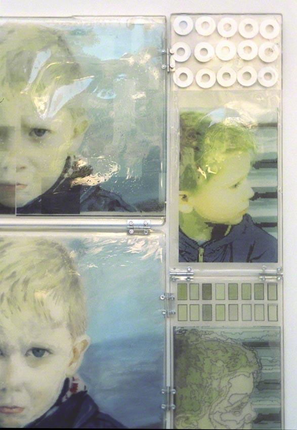 Jérémie est furieux (détail : portrait acrylique jérémie , résine, manipulations informatiques, rondelles métalliques), Marie-Claire Raoul