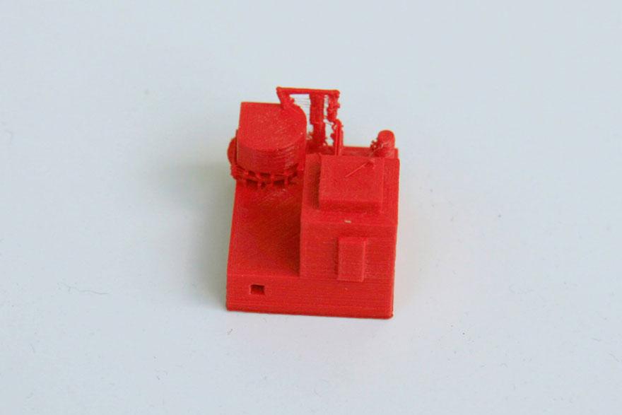 Maison rouge fabriquée au fablab d'iMal à Bruxelles
