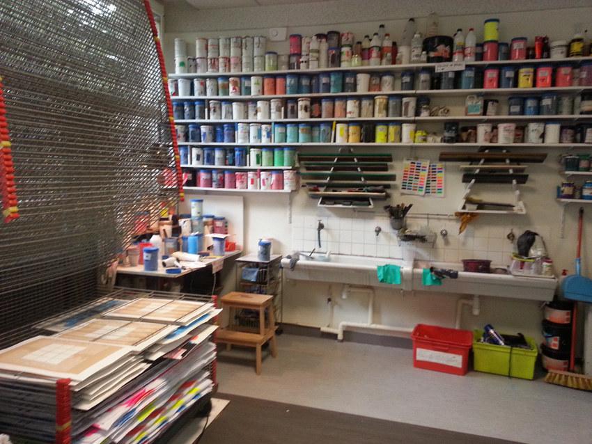 Workshop sérigraphie à l'atelier La presse purée à Rennes, encres et les raclettes