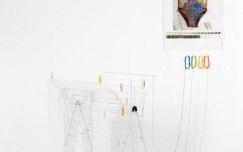 Conversation entre Ian et moi, installation réalisée chez Yan (Ian), © Yan Bohac, Marie-Claire Raoul