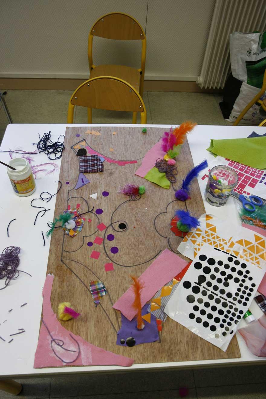 Atelier en famille autour de l'exposition de Marie-Claire Raoul à la MJC Harteloire le 7 novembre 2015