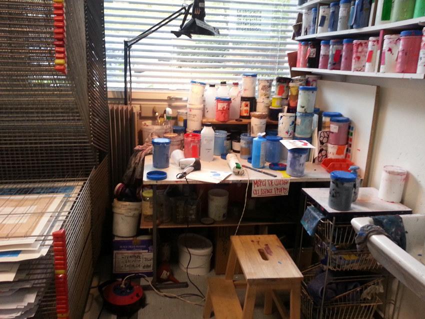 Workshop sérigraphie à l'atelier La presse purée à Rennes, le coin des encres