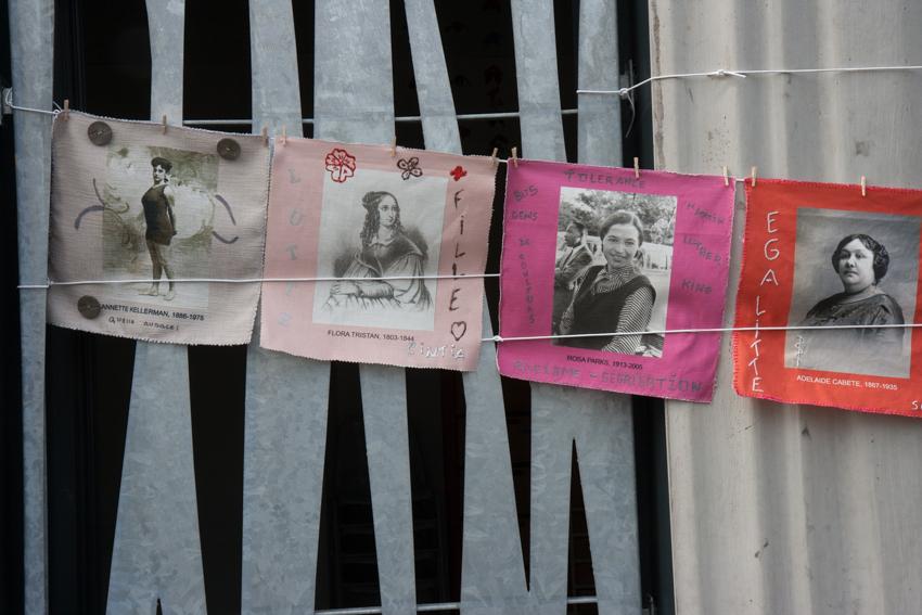 """Installation textile """"Paroles et images de femmes"""" à Pontanezen, 30 juin2018, fête du quartier"""