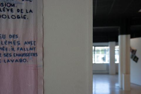 Présentation de l'exposition Paroles et images de femme par l'artiste plasticienne Marie-Claire Raoul, à la galerie Les Abords, dans le cadre de l'académie d'été 2018 Etudes sur le genre organisée par l'UBO et l'université de Rennes.
