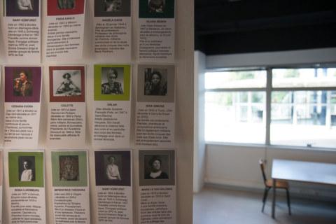 Présentation de l'exposition [Paroles et images de femmes] par l'artiste plasticienne Marie-Claire Raoul, à la galerie Les Abords, dans le cadre de l'académie d'été 2018 [Etudes sur le genre] organisée par l'UBO et l'université de Rennes.