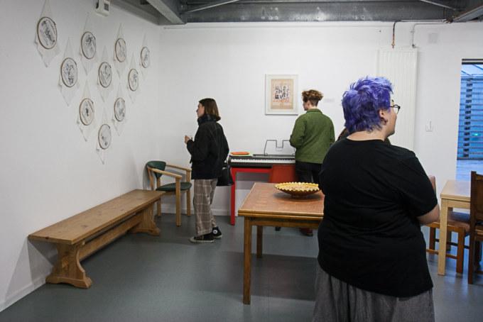 L'exposition «Paroles et images de femmes d'hier et d'aujourd'hui» présentée aux étudiants du master «études sur le genre» de l'UBO à l'espace Lcause à Brest le 24 septembre 2018 par l'artiste plasticienne Marie-Claire Raoul