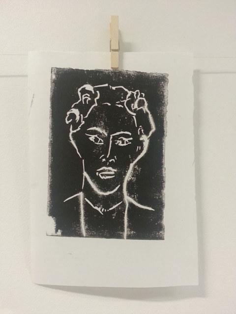 Séquence 5 de l'atelier [femmes créatrices femmes libres] de Marie-Claire Raoul, 22 mars 2019, linogravure de Valérie Guivarc'h