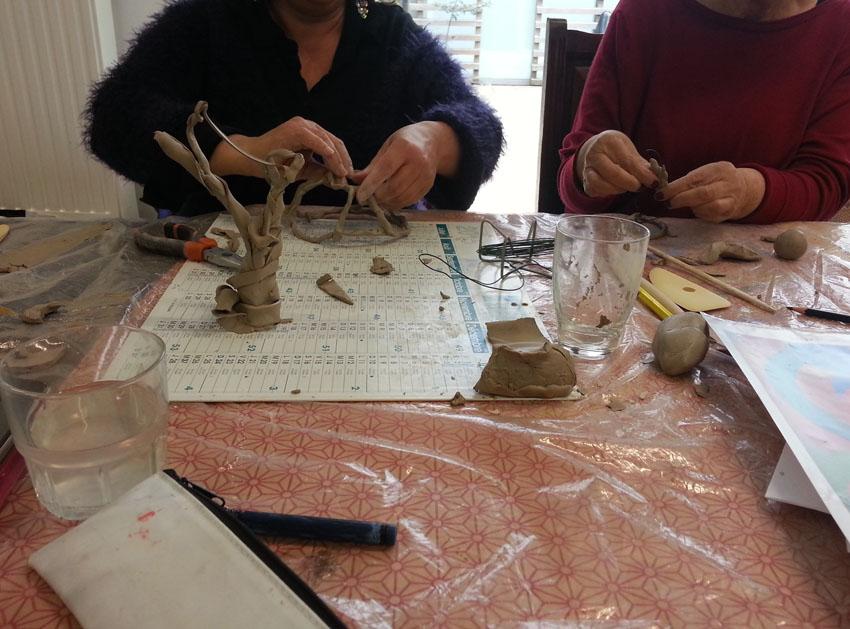 Atelier [Femmes créatrices, femmes libres], séquence 8, modelage, 3 mai 2019 à la Maison Pour Toutes Lcause avec Marie-Claire Raoul