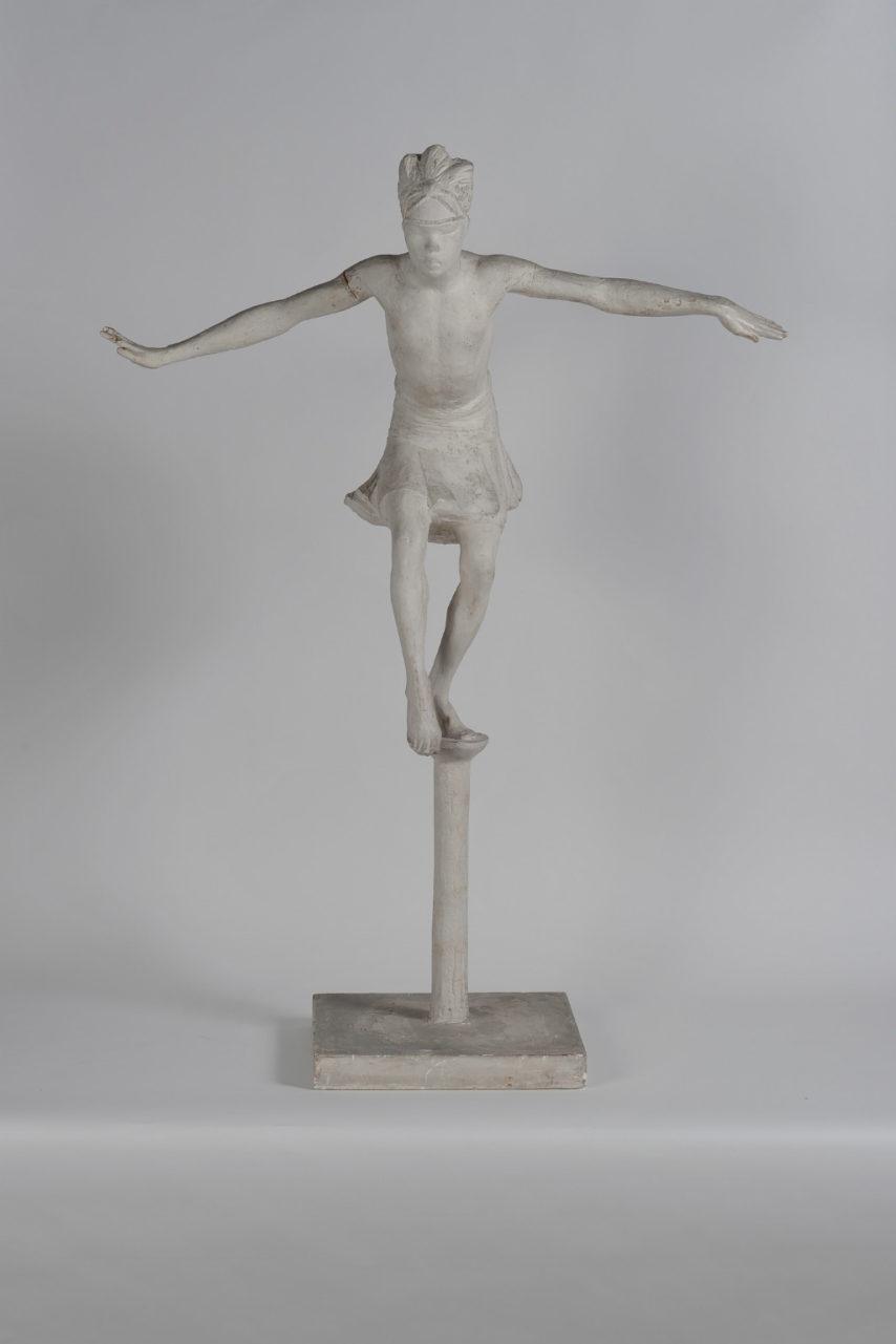 La Papanga, danse de l'oiseau de la sculptrice Anna Quinquaud, platre, 1933