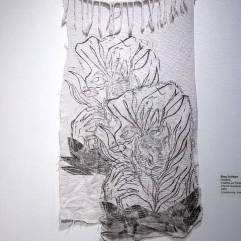Exposition [Femmes créatrices, femmes libres !] du 3 au 13 octobre 2019 au musée des beaux-arts de Brest, restitution d'un projet conçu et animé par la plasticienne Marie-Claire-Raoul, [Hysteria] d'Élisa Guilbert, vue sur le mur de linogravures