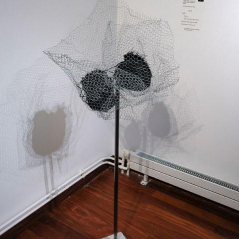 [Femmes créatrices, femmes libres !] du 3 au 13 octobre 2019 au musée des beaux-arts de Brest, restitution d'un projet conçu et animé par la plasticienne Marie-Claire-Raoul, sculpture d'Anna Larvor