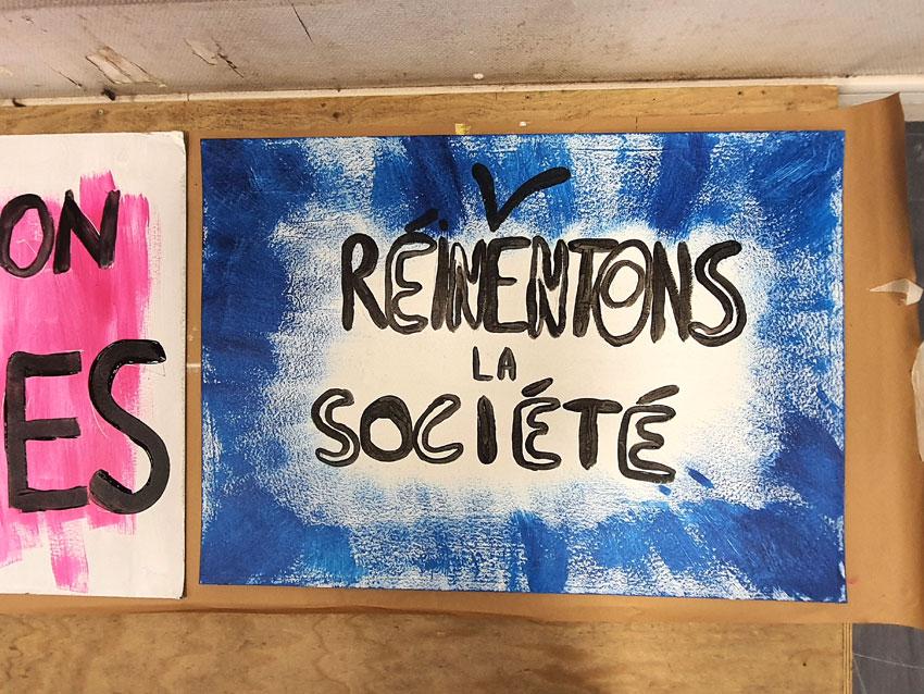 Pancarte de Flavie, atelier pancartes et slogans [Ensemble rêvons pour demain] samedi 19 septembre à la Maison des syndicats à Brest avec la plasticienne Marie-Claire Raoul