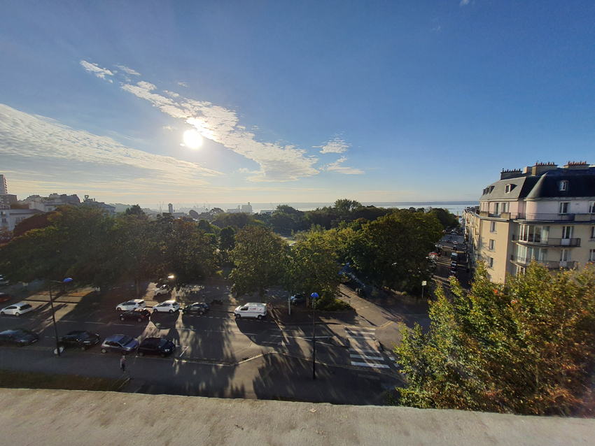 Entrée dans l'ex Cercle naval de Brest le 16 septembre 2021, résidence artistique de la plasticienne Marie-Claire Raoul